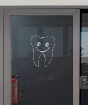 Zahnaufkleber in negativer Darstellung