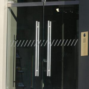 Kennzeichnung von Glastüren Slash