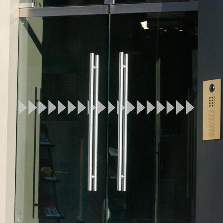 Glastür Aufkleber doppelte Pfeile